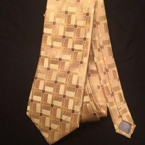 Gucci tie 🔥🔥